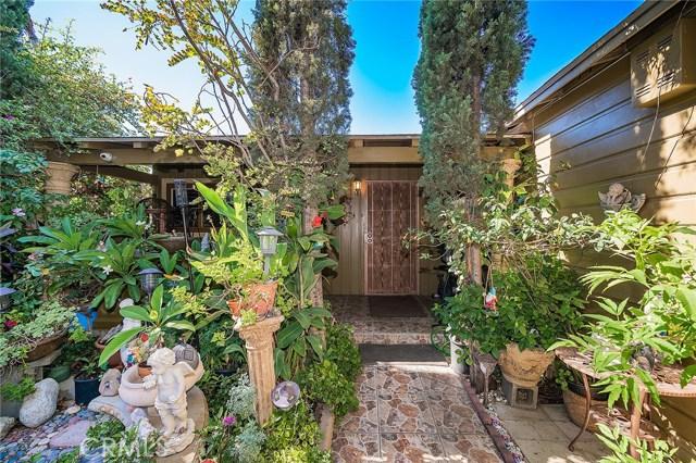 10871 Olinda Street, Sun Valley CA: http://media.crmls.org/medias/06a19d59-c884-4efc-9e3a-958a4a1431f4.jpg