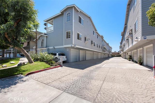 Condominium for Sale at 8182 Cobblestone St Midway City, California 92655 United States