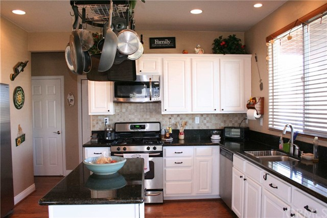 42160 Indian Hill Trail, Aguanga CA: http://media.crmls.org/medias/06b81952-3c29-4529-95d8-db6976e941e1.jpg
