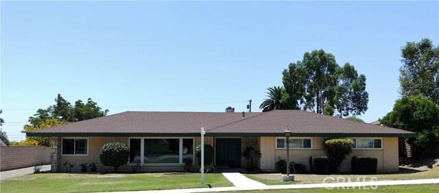 386 Deborah Court, Upland CA: http://media.crmls.org/medias/06b9f437-348b-4b94-b277-bda3e702fe3c.jpg