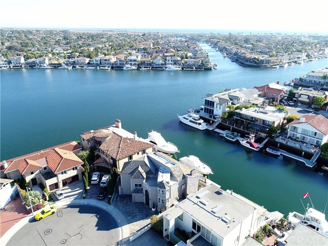 16391  Ardsley Circle, Huntington Harbor, California