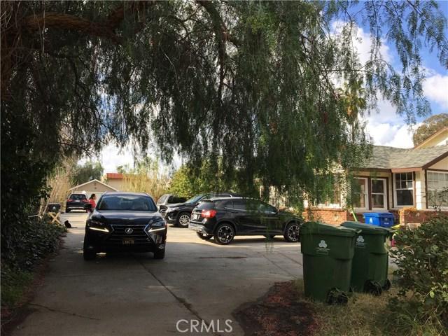 8947 Noble Avenue, North Hills CA: http://media.crmls.org/medias/06c7c371-06a6-49fd-bd36-fca6615961a6.jpg