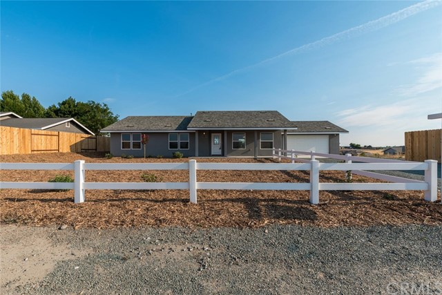 8310 Plane View Place, Paso Robles CA: http://media.crmls.org/medias/06d6a0b1-b80d-474e-bfe2-fc5fce34e4e2.jpg