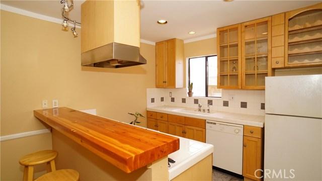 Condominium for Sale at 12747 Pacific Avenue Unit 4 12747 Pacific Avenue Los Angeles, California 90066 United States