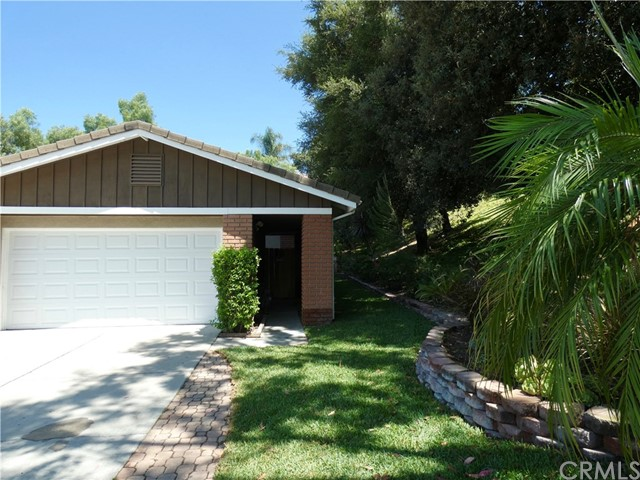 19031 Wildwood Circle, Lake Forest CA: http://media.crmls.org/medias/06d795e9-c42a-4ca8-ae9d-53969f94a7ef.jpg