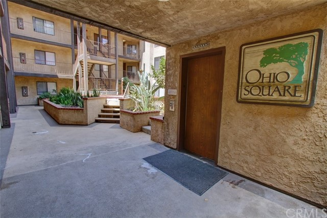 1110 Ohio Avenue, Long Beach CA: http://media.crmls.org/medias/06e7b838-18a7-45a1-bb4d-498c9f11ddc4.jpg