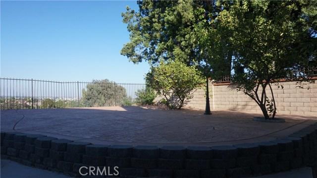 13745 Moonshadow Place, Chino Hills CA: http://media.crmls.org/medias/06f50c92-e5b2-42ed-b9ef-f697275d8ad6.jpg