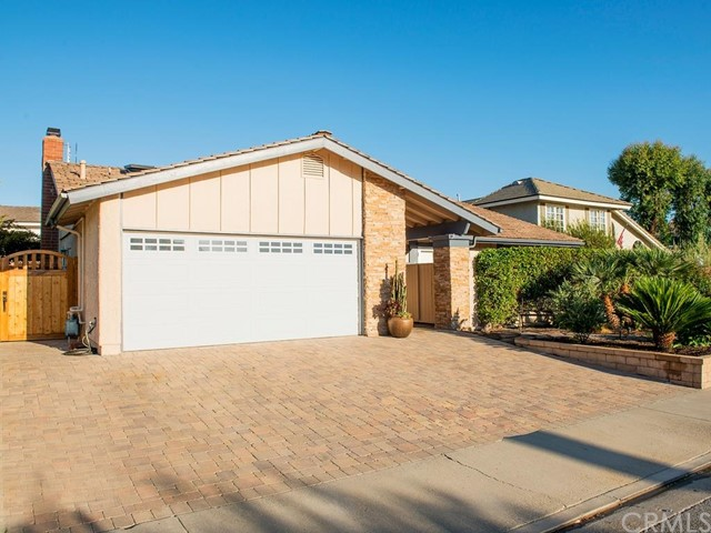 Single Family Home for Sale at 23611 Amalia St Mission Viejo, California 92691 United States