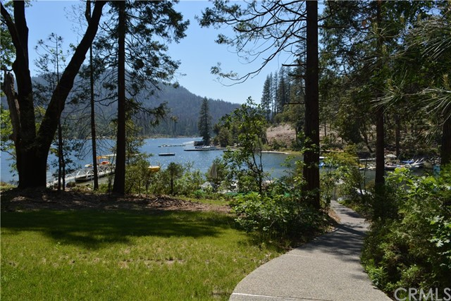 Single Family Home for Sale at 38942 Lake Point Court Bass Lake, California 93604 United States