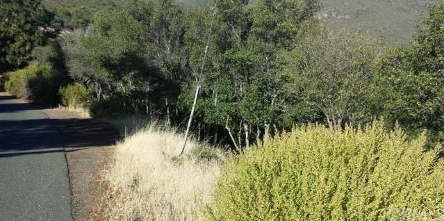8806 Fairway Drive, Kelseyville CA: http://media.crmls.org/medias/070bac4f-c0eb-46fd-91c6-2a8dfa90f9a0.jpg