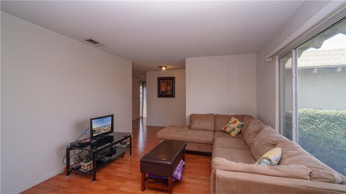2530 S Balboa Avenue, Ontario CA: http://media.crmls.org/medias/0711b626-0636-4dcd-94e0-611cff674b99.jpg