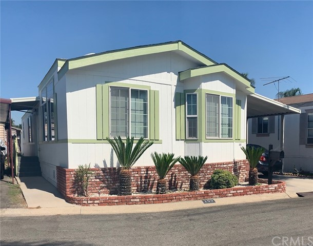 10001 Frontage Road, South Gate, California 90280, 2 Bedrooms Bedrooms, ,2 BathroomsBathrooms,Manufactured In Park,For Sale,Frontage,DW19227915