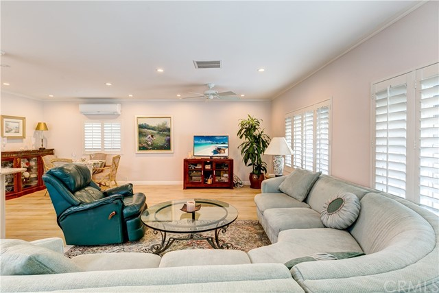 279 Cambridge Way, Newport Beach CA: http://media.crmls.org/medias/07210b7d-16d5-4f10-a52e-ae96ce5ab551.jpg