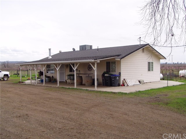 12600 State Highway 99e, Red Bluff CA: http://media.crmls.org/medias/07211591-4710-4ad2-b8f2-6e4846244703.jpg