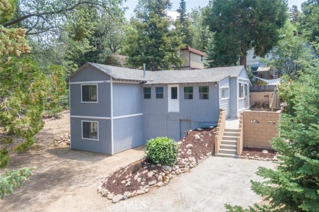 2427 Spruce Drive, Running Springs CA: http://media.crmls.org/medias/07242f9c-74f9-41a7-9143-7790c1c65d9e.jpg