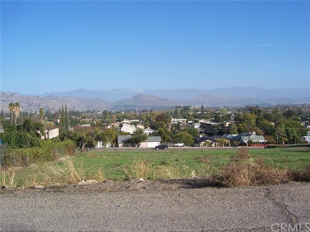 Single Family for Sale at 200 Williams Drive S Porterville, California 93257 United States