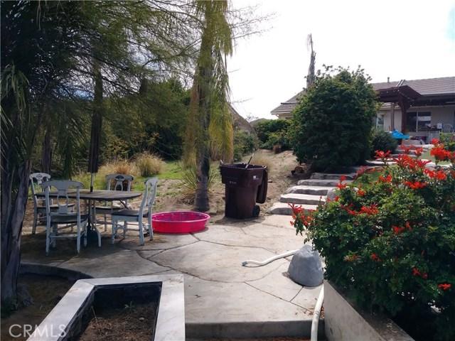 31382 Montgomery Avenue, Nuevo/Lakeview CA: http://media.crmls.org/medias/07322160-a192-496c-a8cf-19bc0a851a14.jpg
