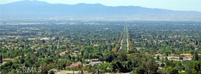 19 E 26th Street, Upland CA: http://media.crmls.org/medias/076edf57-8ce1-4775-836c-803652a419ed.jpg