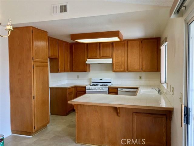 2473 W Calle Vista Drive, Rialto CA: http://media.crmls.org/medias/077d3097-d1cb-4442-bf54-05d730f43bf6.jpg