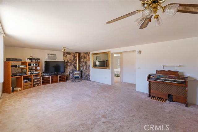 67326 Whitmore Road, 29 Palms CA: http://media.crmls.org/medias/0784d545-42b4-486b-bcaa-7af37d82cf86.jpg