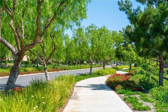 43 Paradise Alley, Aliso Viejo CA: http://media.crmls.org/medias/078a6d83-cf03-48d2-864b-36aa78c4c453.jpg