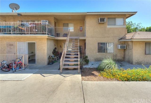 7433 Napa Court, Rancho Cucamonga CA: http://media.crmls.org/medias/079298b5-a034-4f82-845c-6b13133479ee.jpg