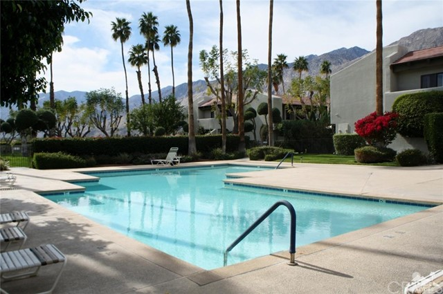 351 Hermosa Drive, Palm Springs CA: http://media.crmls.org/medias/0796c1dc-3ad7-4161-a407-1958c42f1d1b.jpg