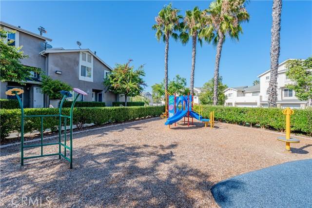 23208 Colony Park Drive, Carson CA: http://media.crmls.org/medias/079cfbfa-3345-4e71-b71c-9f836fe110d3.jpg
