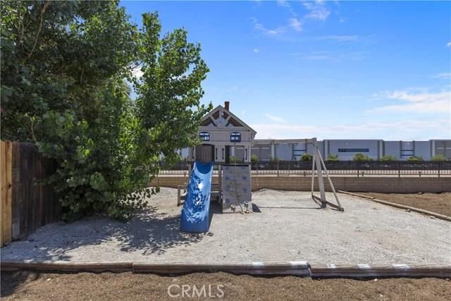 25165 Slate Creek Drive, Moreno Valley CA: http://media.crmls.org/medias/07a05a91-03a0-45a1-9d66-e691fe404dd7.jpg