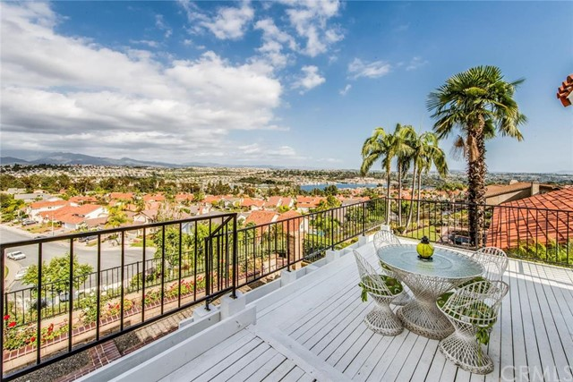 Single Family Home for Sale at 22472 Canaveras St Mission Viejo, California 92691 United States