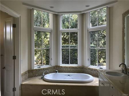 1049 Oak Grove Place, San Marino CA: http://media.crmls.org/medias/07bae77f-0d1c-4a2b-872a-d01b0c8764ad.jpg