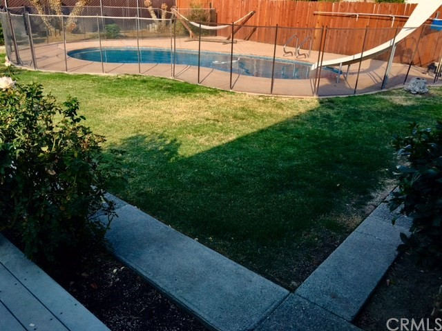 Casa Unifamiliar por un Venta en 302 Dartmouth Avenue Coalinga, California 93210 Estados Unidos