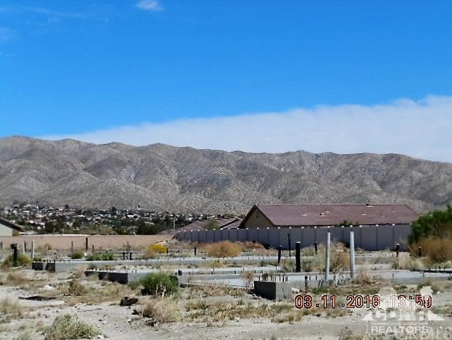 0 Bald Eagle Lane, Desert Hot Springs CA: http://media.crmls.org/medias/07c66107-21b1-4eb4-9381-0418dff981ab.jpg