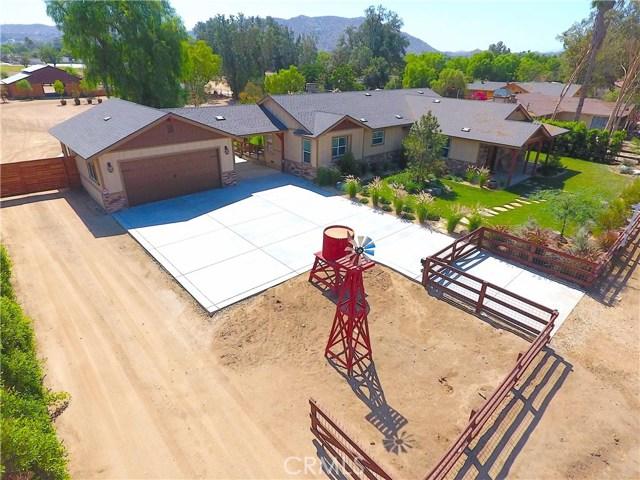 3563 Valley View Avenue, Norco CA: http://media.crmls.org/medias/07c8e50a-caa9-4c7a-a2d9-ca0a87113b04.jpg