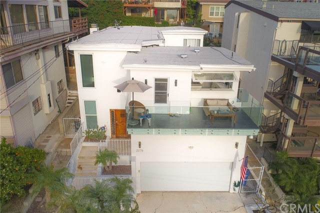 Single Family Home for Sale at 2076 Stanley Avenue Signal Hill, California 90755 United States