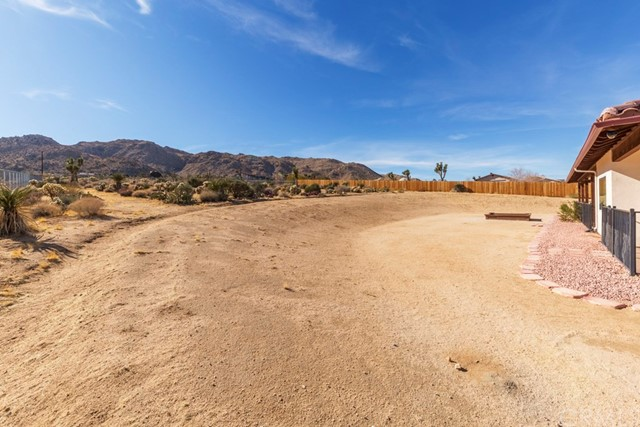 60845 Pueblo Trail Joshua Tree, CA 92252 - MLS #: JT18015215
