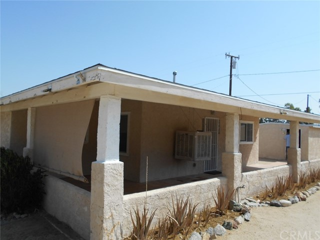 6941 Alpine Avenue, 29 Palms CA: http://media.crmls.org/medias/07d7bc99-783e-4d81-bdde-e8df2ad8e8ca.jpg