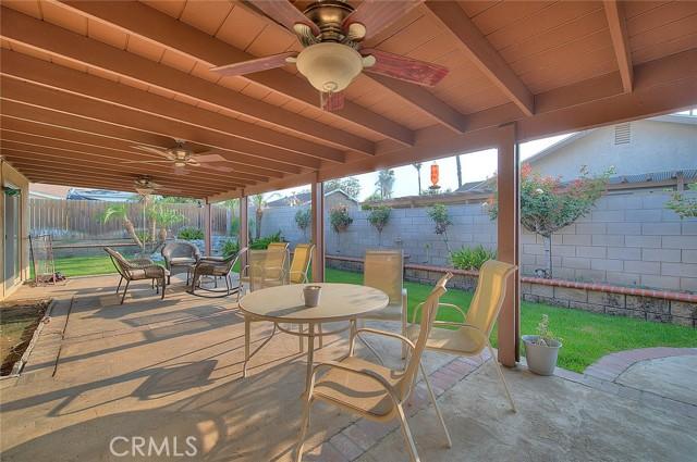 10078 Julian Drive, Riverside CA: http://media.crmls.org/medias/07ea9b07-0695-4f4d-a48e-c09d263b5555.jpg