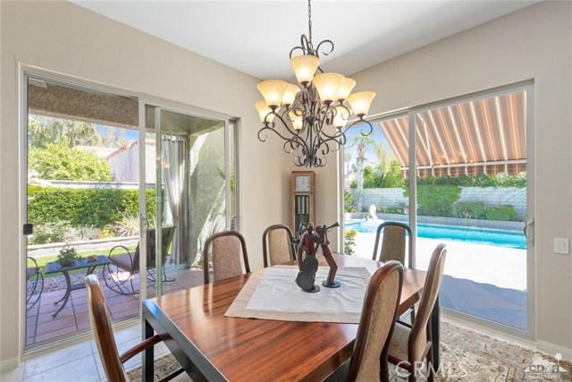 59 Sierra Madre Way, Rancho Mirage CA: http://media.crmls.org/medias/07ed9c86-ca75-4288-bc59-40f2df39f8b2.jpg