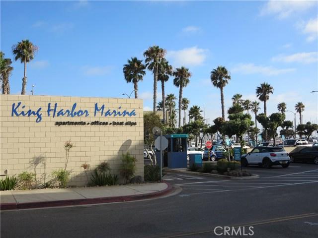 828 N Lucia Avenue, Redondo Beach CA: http://media.crmls.org/medias/0801e54d-b41d-4ce5-8c6a-545cde0c80b9.jpg