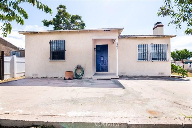 2702 N Dalhart Avenue, Compton CA: http://media.crmls.org/medias/08032672-8921-4142-b3b9-6e8121aa3096.jpg