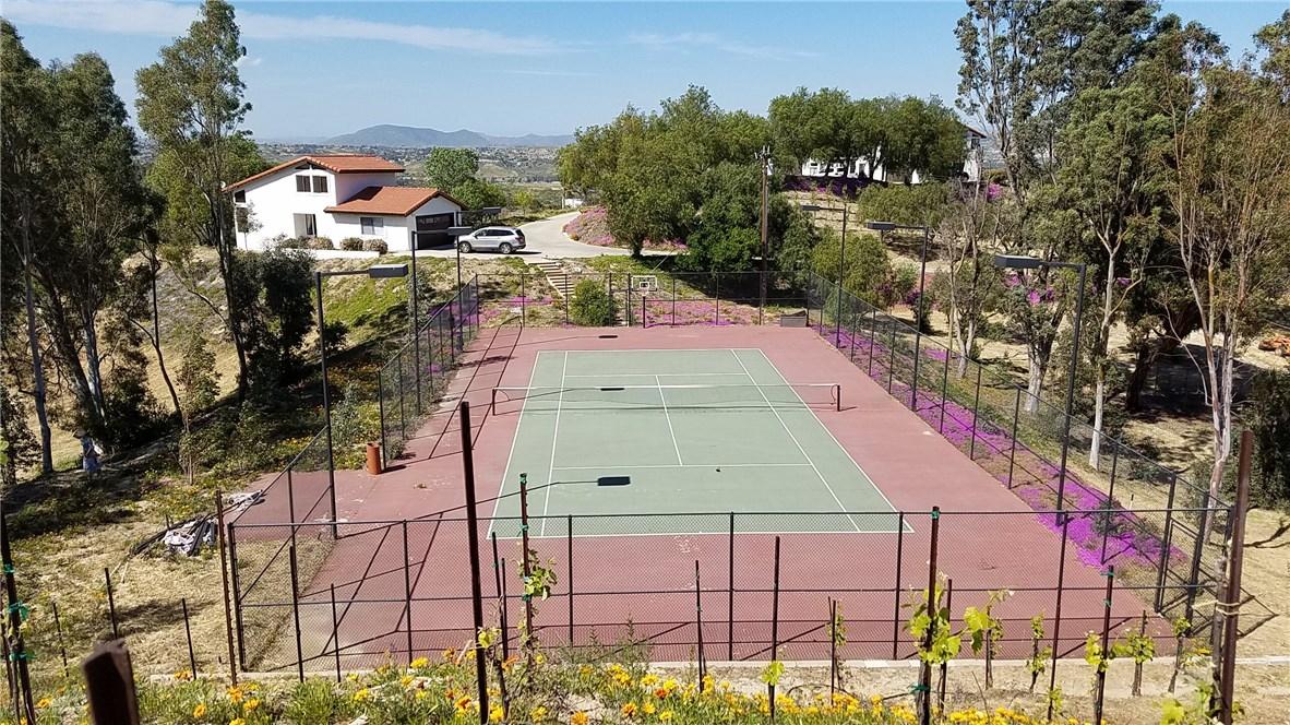 45115 LOS CABALLOS ROAD, TEMECULA, CA 92592  Photo 15