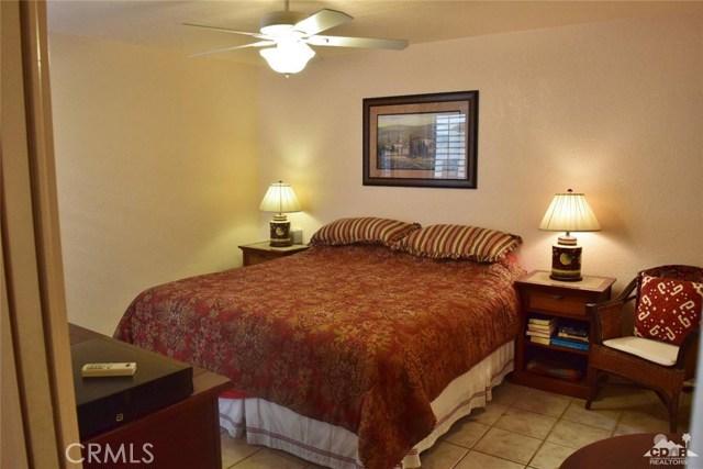 47670 Desert Sage Court, Palm Desert CA: http://media.crmls.org/medias/081b98df-3619-47ec-8e4f-7842165584da.jpg