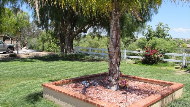 26033 Summer Hill Court, Murrieta CA: http://media.crmls.org/medias/08297d91-c6b2-44c7-ba29-c896d6e553a0.jpg