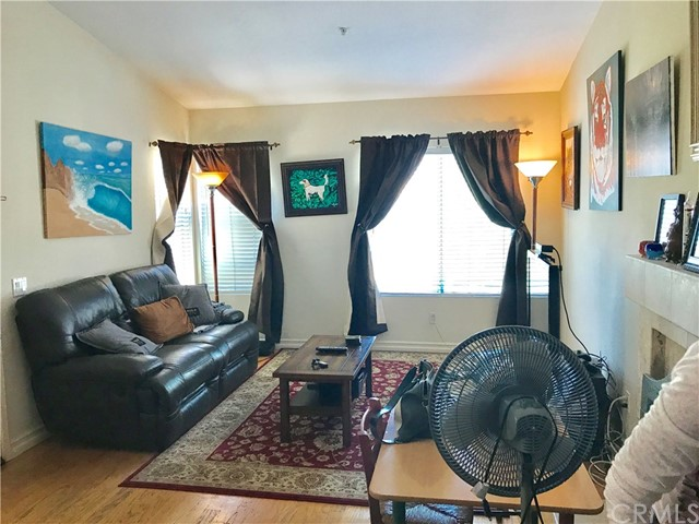Photo 3 for Listing #OC17183188