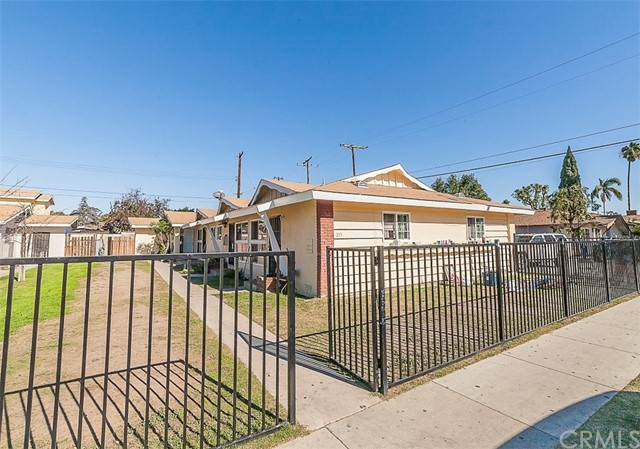 213 W Guinida Ln, Anaheim, CA 92805 Photo 4
