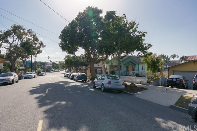 422 S Pacific Coast, Redondo Beach CA: http://media.crmls.org/medias/084c54b8-0037-4731-b13c-0d9bcfa6893d.jpg