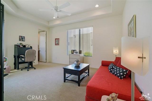 10 Via Haciendas, Rancho Mirage CA: http://media.crmls.org/medias/084efa5d-98c0-4786-a9c0-184667796042.jpg