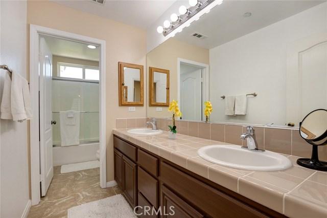 6820 N Melvin Avenue, San Bernardino CA: http://media.crmls.org/medias/084fbbda-7504-4f2e-9757-7ab779d3cf0e.jpg