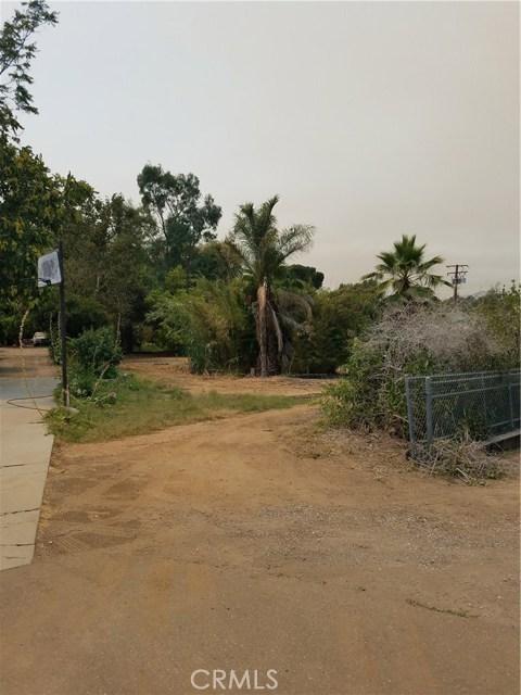 12720 17th Street, Redlands CA: http://media.crmls.org/medias/085c7d25-86f8-4c65-9767-64d1e0a7b8fe.jpg